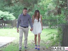 Babes - Elegant Anal - Matt Ice und Ally Breelsen - Sag es mir