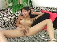 Exotické dívky Patricia Valenzuela masturbují