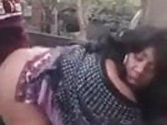 BBW Ebony Mature non può prendere il cazzo giovane