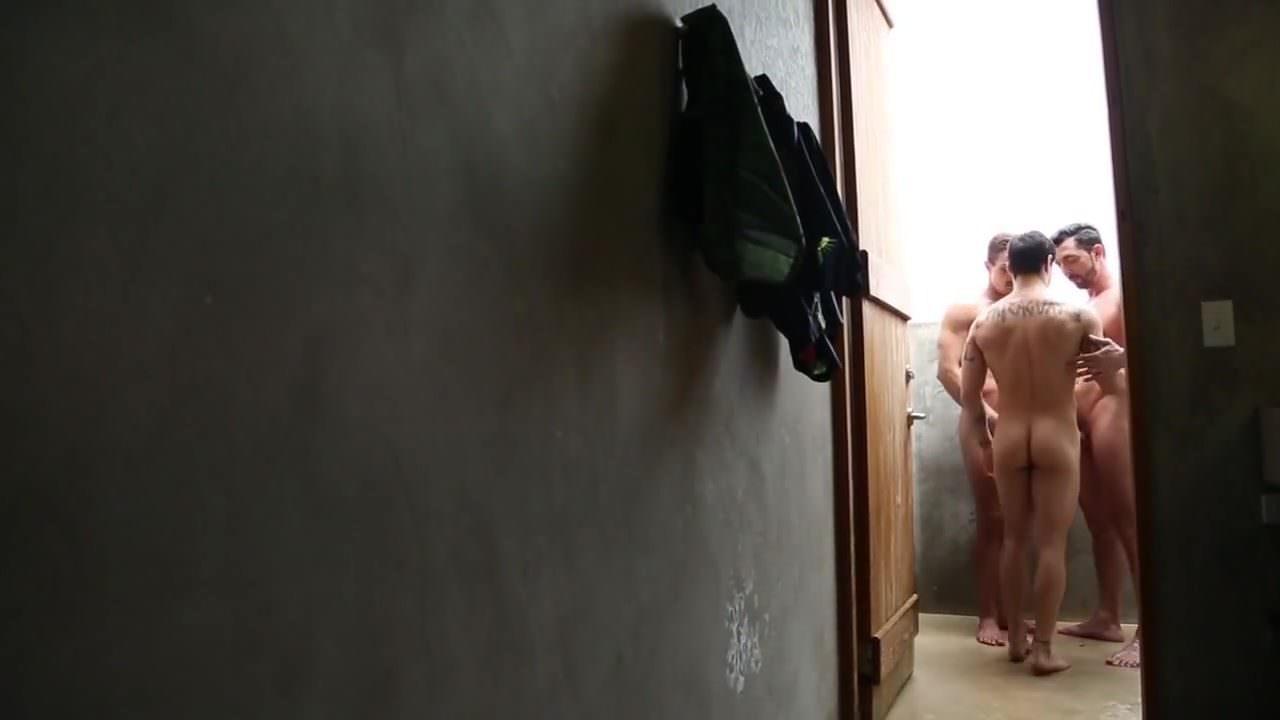 Порно видео транс в попу мужика