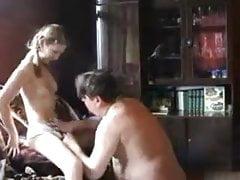 STP5 Schöne Tochter fickt den fetten Vater!