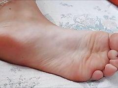 Marina przenosi swoje seksowne stopy (rozmiar 38), część 2