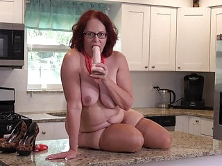 Big Tits Big Ass Mature video: Mature booty busty mom fucks her pussy on kitchen