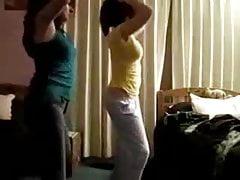 PAKI GIRLS DANCING IN ROOM