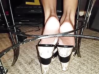 Babes Foot Fetish Candid video: Pure Candid Shoeplay: Dipping in wedges