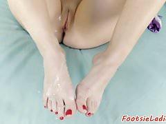 Bigtits beauty szarpie kutasa nogami