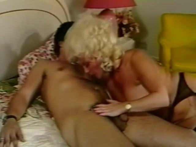 Молодые секс на даче