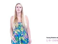 Nastolatka zerżnięta przez fotografa podczas castingu