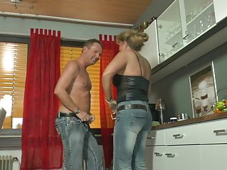 Milf Mature Granny video: Anita - Petra Wegat kitchen watersport