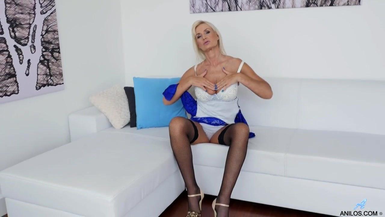 Видео порно интим лесби