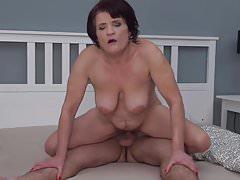 Mamma matura fare sesso con figlio fortunato