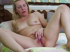 La matura casalinga britannica Kate Aveiro vuole scopare