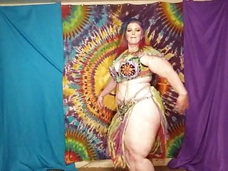 Public Nudity Bbw Stockings video: Ssbbw Belly dance