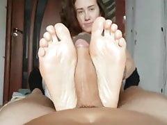 Katie dá mastnou nohu