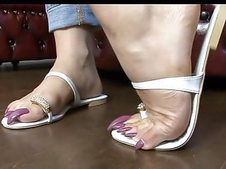 Foot Fetish video: TOELOOP SOFTCORE 1.8 PINK LONGNAILS WHITE TOELOOP PN