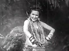 Exotic Babe Dances and Smiles (1940s Vintage)