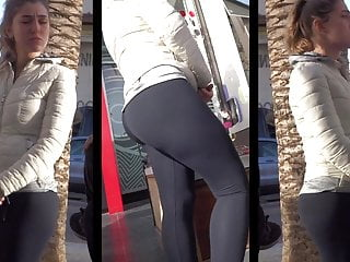pawg closeup bubble booty black leggings