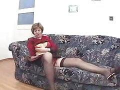 He caught his mother masturbating ...F70