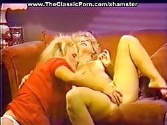 Lesbiche cattive che mangiano succhi di figa