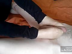 Compilation de footjob en nylon