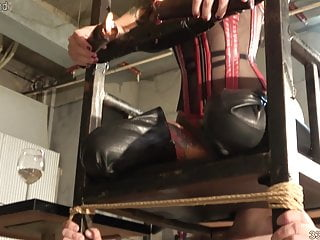 Japanese Bdsm Femdom video: Japanese Dominatrix Youko Facesitting and Cunnilingus