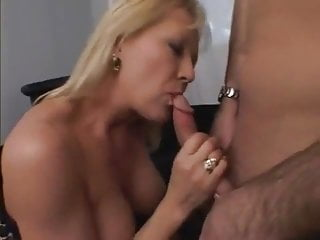 Mature xxx: corset and a little squirt