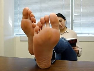 BARE FOOT & Asian Soles Close