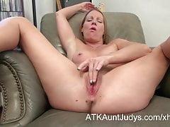 Alyssa Dutch masturbates for AuntJudys.com