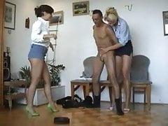 Office Gitmo Porn - I gestori biondi Ballbust Arab Janitor