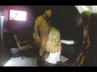 Bdsm video: White Whore Serving Her Black Master in Dungeon
