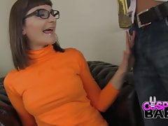 COSPLAY BABES Die geile, feuchte Velma wird wild