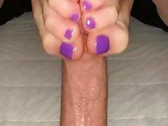 Lass mich mit deinen sexy Füßen abspritzen