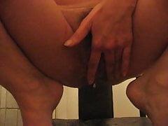 Masturbation amateur russe mature et pisse