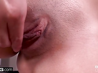 Blowjobs Teens movie: Pussy foreplay