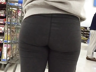 Beautiful Teen Ass in Leggings