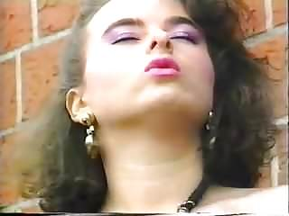 Vintage Bbw Pissing video: Effie Balconi Vintage German saggy Tits Pissen