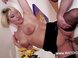 Amateur Hardcore Milf video: Deutsche fickebare MILF Amateure von WatchDirty.com