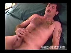 Mature Amateur Robbie Jacking Off   Porn-Update.com