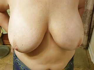 Big Boobs Wife Homemade video: Wifes big titties