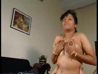 .Indian Couples (vintage indian porn movie from 2001).