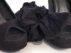 Buty mojej siostry: czarne szpilki klubowe I 4K
