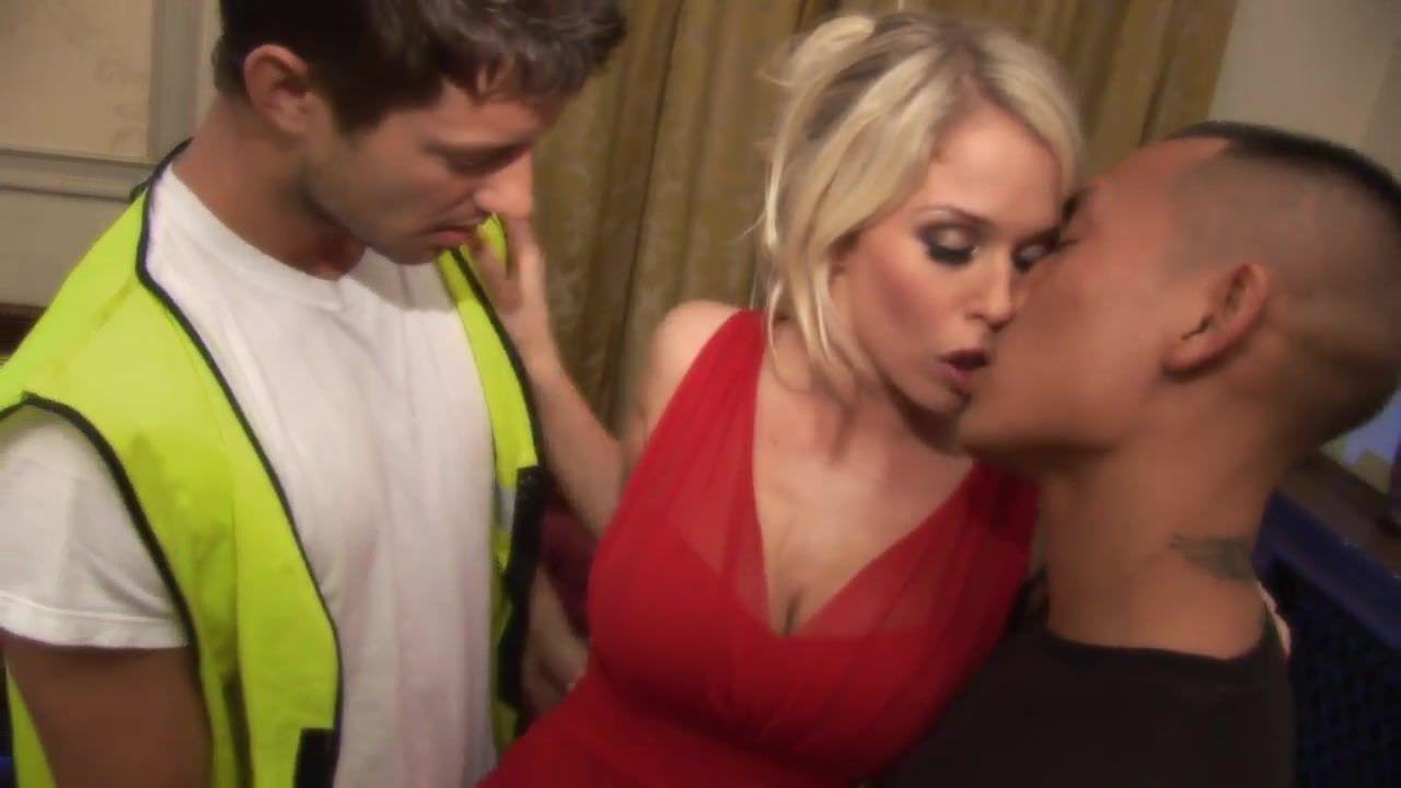 Порно видео трансы кончают в мужиков