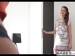 Babes - Step Mom Lessons - Ladies First avec Nick Gill a