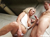 free naked pictures of milfs