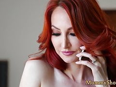 Redhead MILF lickings belle-fille chatte