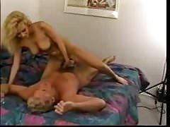 La giovane Jenna prova ancora il porno - versione completa