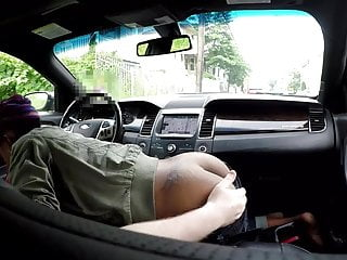 Blowjob Car Escort video: Black hooker car blowjob