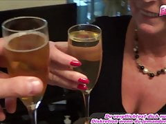FIESTA DE PISS ALEMANA CON AMATEUR MADURE HOUSEWIFE MOM