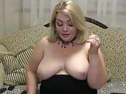 Melissa Shows us