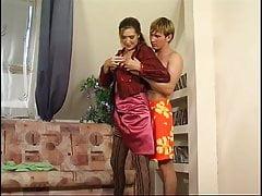 Russische Mutter verführt Sohn - Elena